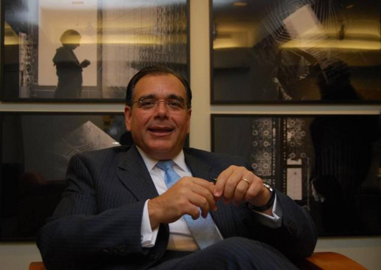 """Daboub participa en el Foro de Davos, en Suiza, titulado """"Manejando los riesgos para el 2013"""". foto edh / Tomás Guevara"""