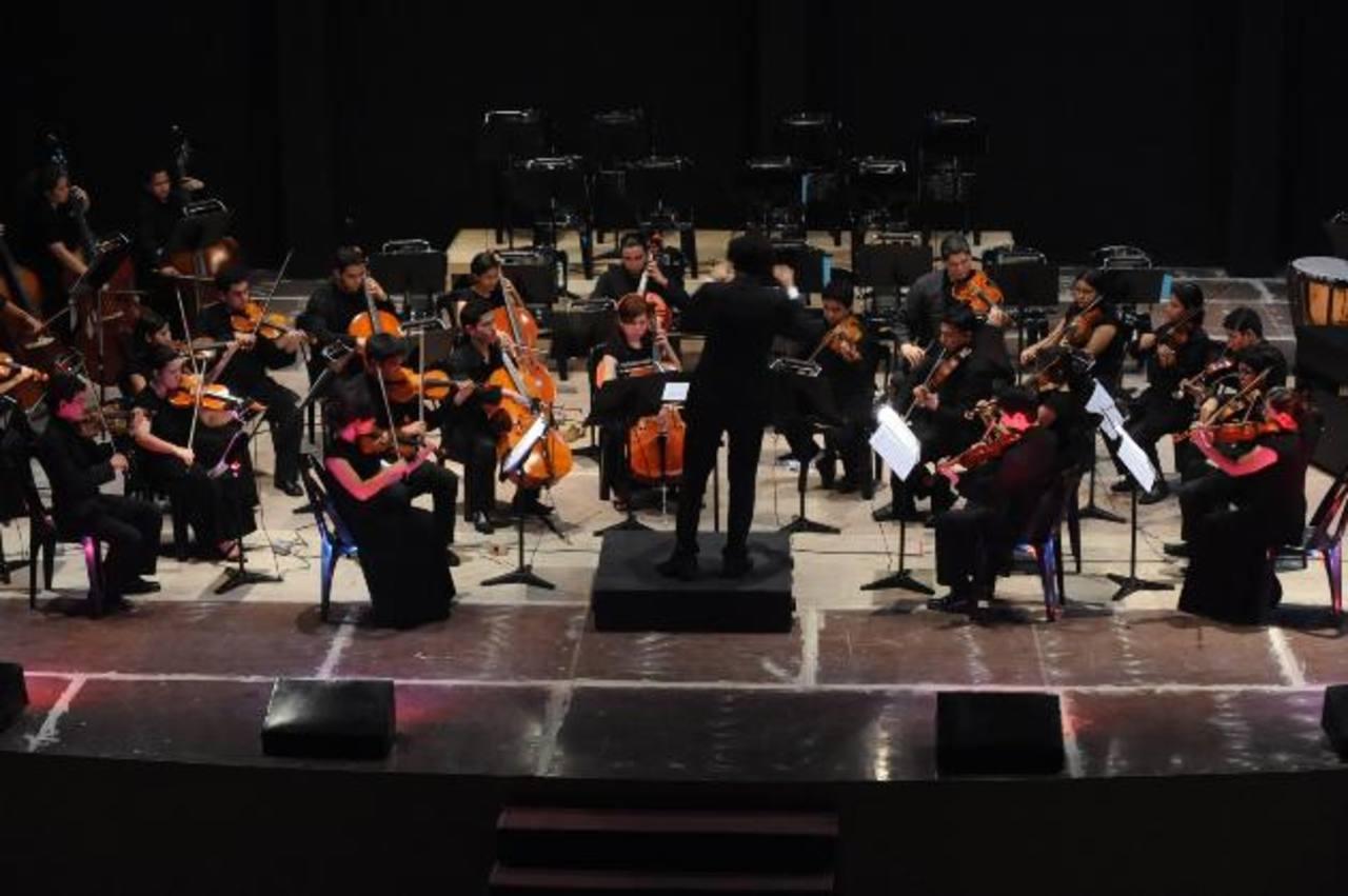 La orquesta está formada por jóvenes entre 15 y 25 años.
