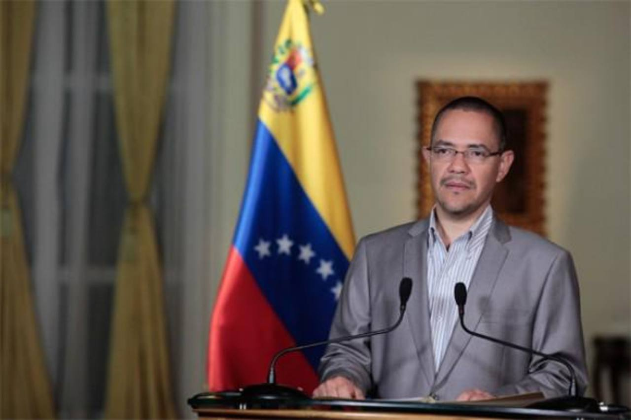 Así lo informó el ministro de comunicación e información venezolano, Ernesto Villegas