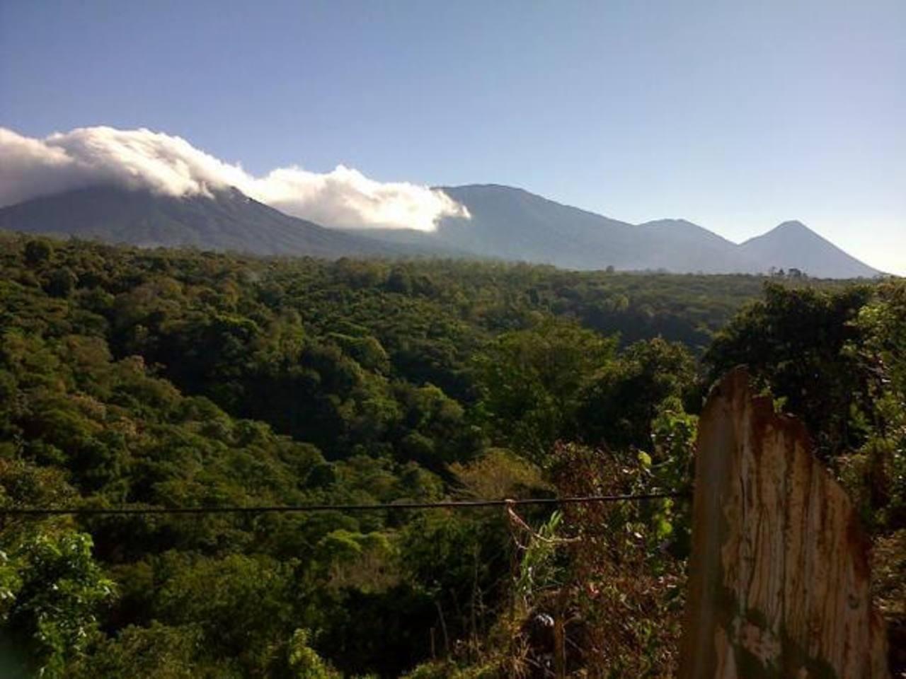 """Foto gracias a @gustavo_rodrigu """"en zona montañosa occidental, brisa fresca y agradable""""."""