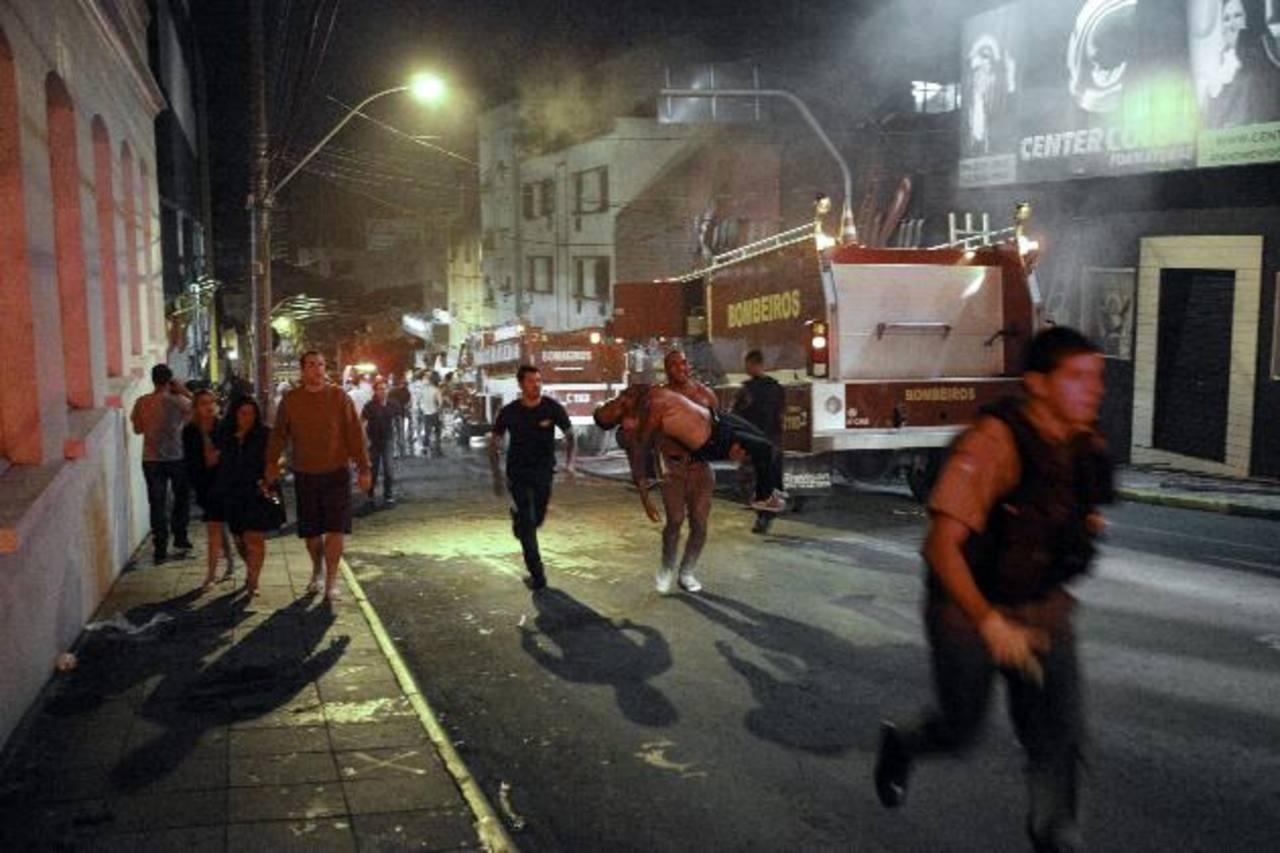 El club Kiss tiene capacidad para mil personas pero había el doble en el incendio. foto edh / efe