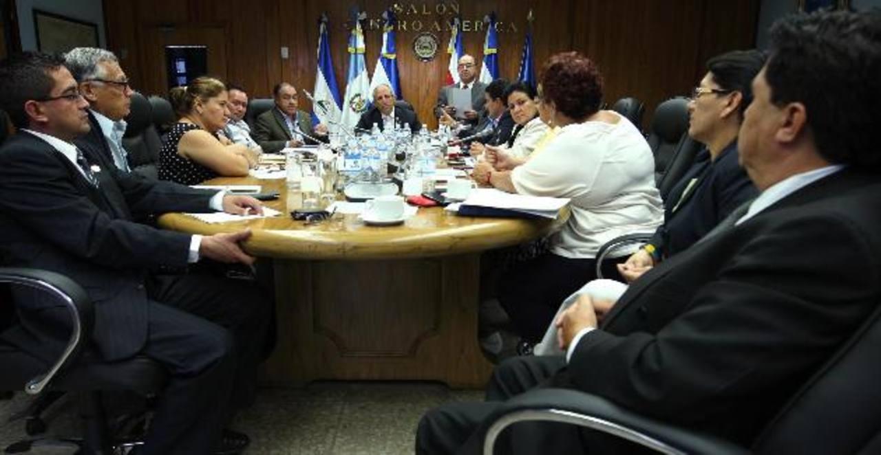 Diputados de la Junta Directiva no profundizaron ayer en el tema porque esperan que Reyes también rinda cuentas en informe.