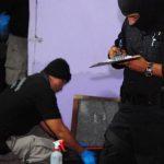 Durante un operativo realizado en septiembre de 2012 se capturó a los pandilleros acusados del crimen de la joven. FOTO EDH/ARCHIVO