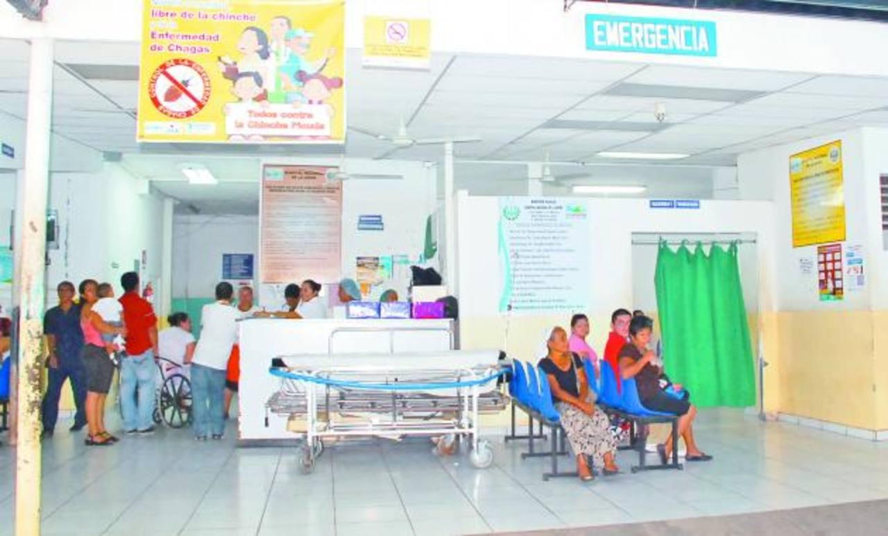 Las actuales instalaciones del hospital dejan mucho que desear al personal médico y a los pacientes. foto edh / insy mendoza