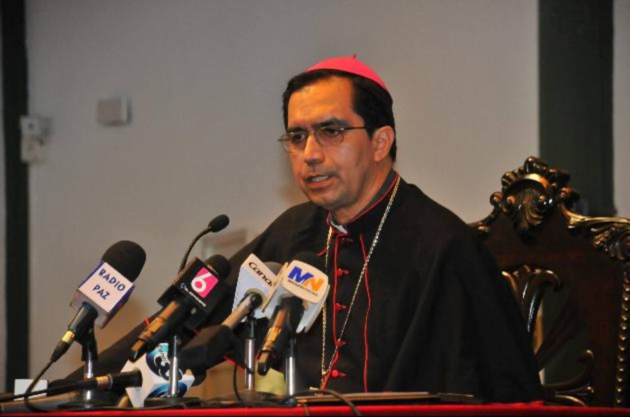 El Arzobispo, José Luis Escobar Alas, consideró que todas las empresas deben estar en orden. Foto EDH / archivo