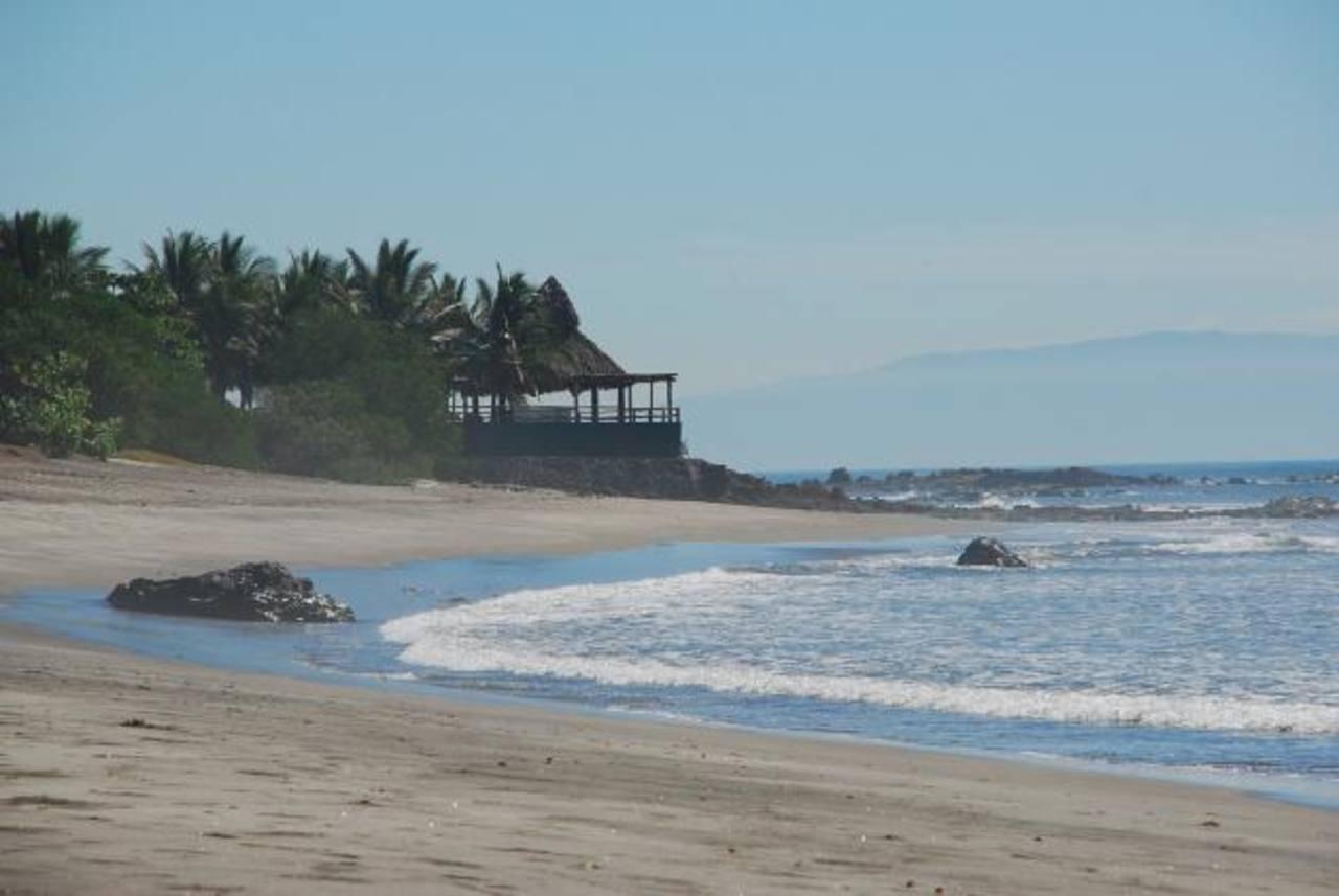 Los empresarios turísticos anhelan que se construyan varios hoteles, comercios, restaurantes y bares en las playas de El Icacal. foto edh /archivo