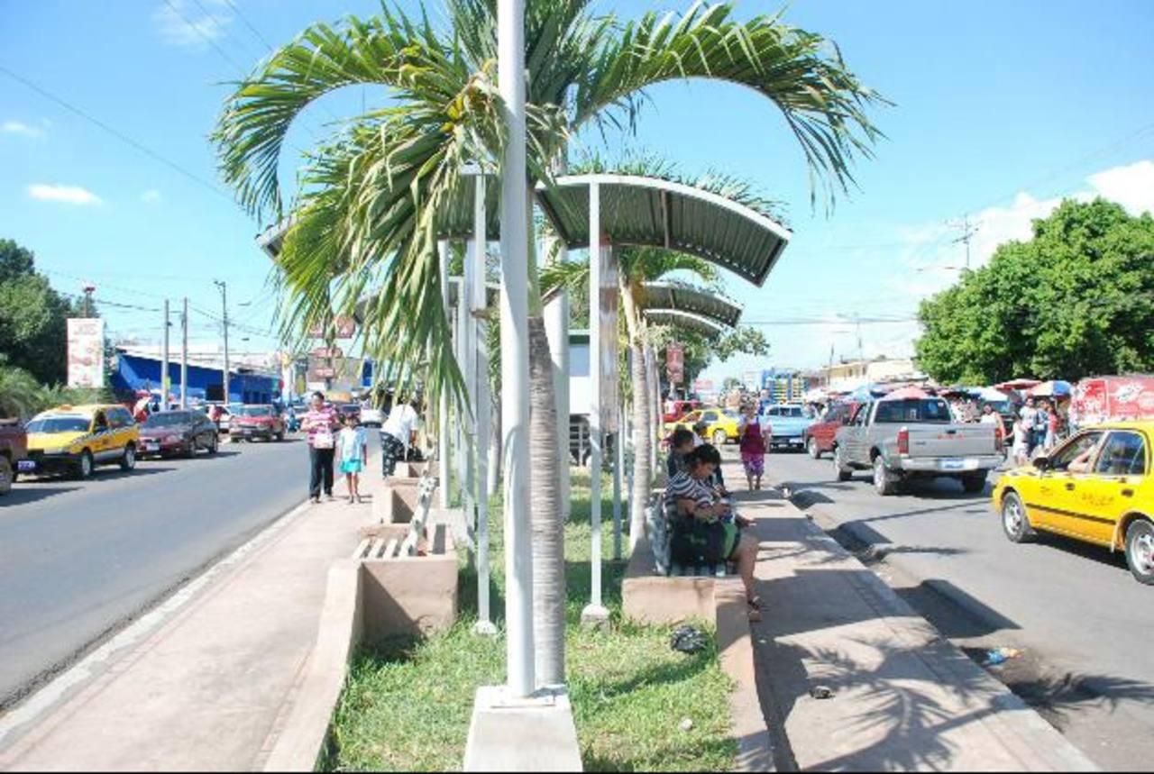 La intención de la comuna es ordenar la ciudad y dar un mejor aspecto para la comodidad de los vecinos. foto edh / lucinda quintanilla