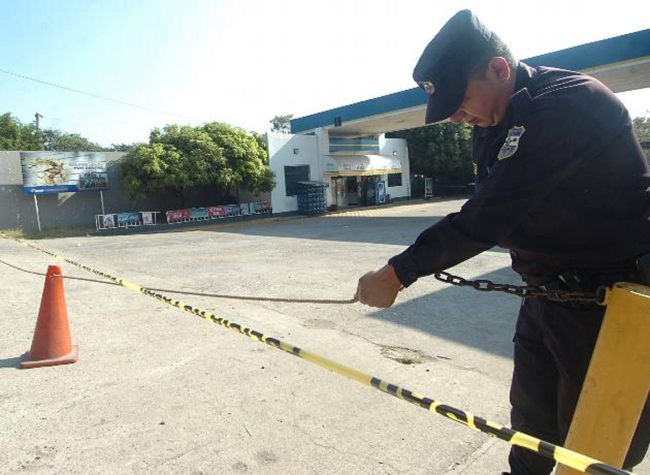 Gasolinera en la que fue ultimado el vigilante José Fernando Delgado. Foto EDH / Ericka Chávez