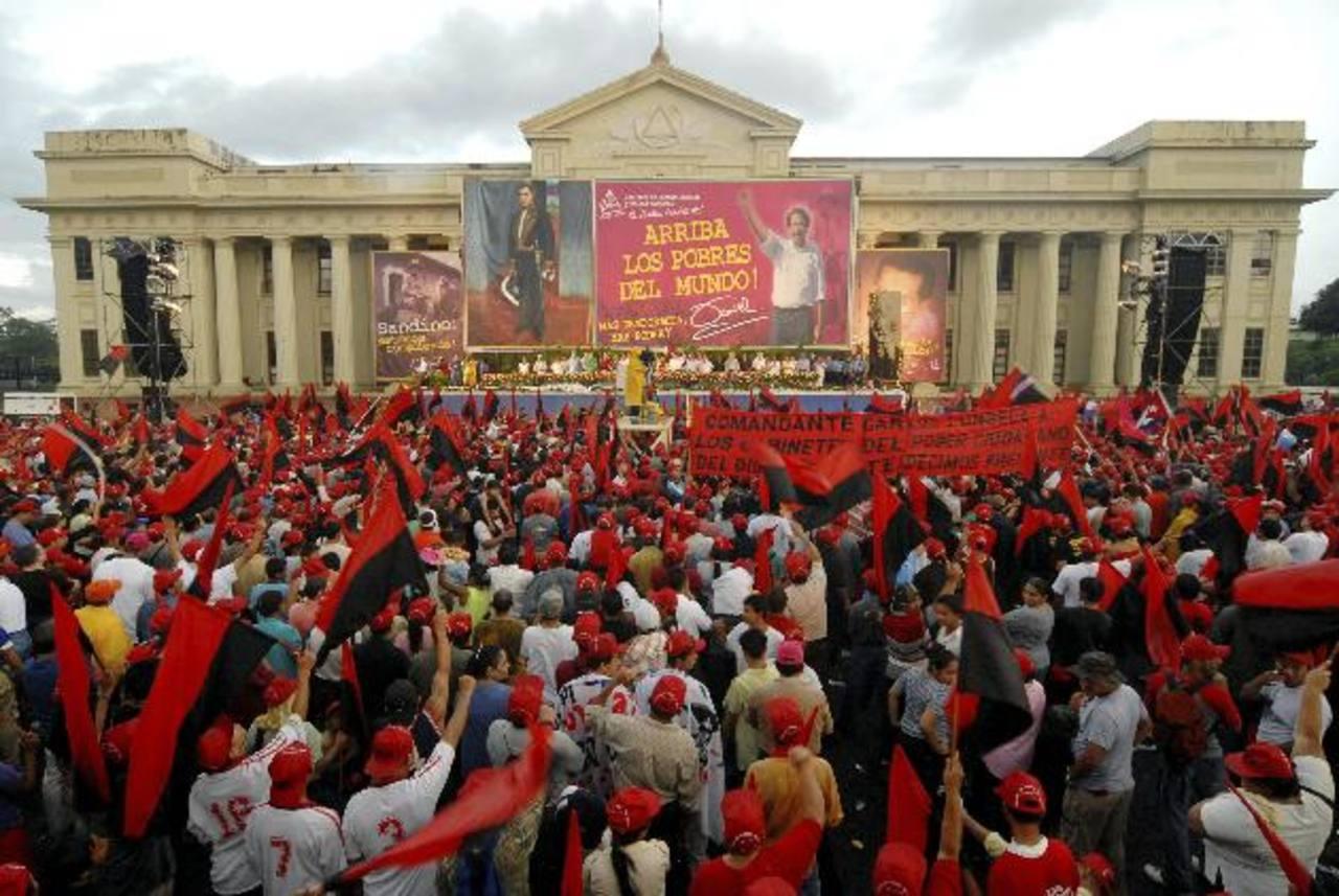 Los nicaragüenses se afianzan cada vez más a los mecanismos establecidos por el chavismo en Sudamérica. Foto EDH /