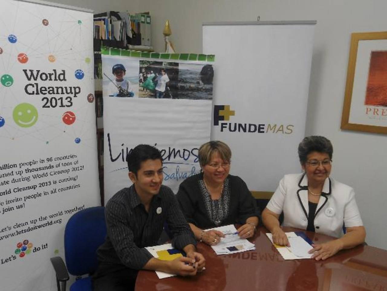 Representantes de la institución invitaron a los salvadoreños a apoyar esta actividad. Foto EDH / Cortesía