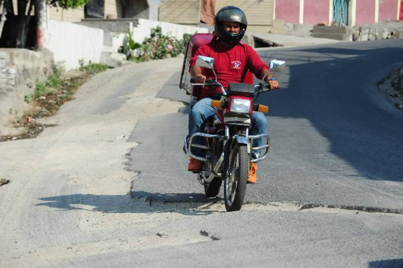 Son más de 200 metros, en la calle Miraflores, los que no han sido asfaltados. Foto edh /mAURICIO cÁCERES