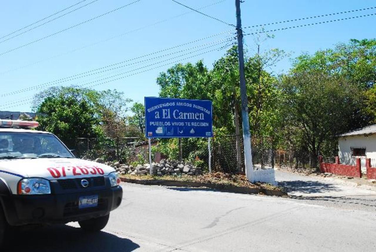 Cuatro policías es la fuerza efectiva con que cuenta el municipio de El Carmen, donde desde mediados de 2012 se ha incrementado la presencia de pandilleros. Foto EDH / Marlon HernándezEl muelle de la laguna de Olomega es un punto de reunión de marero