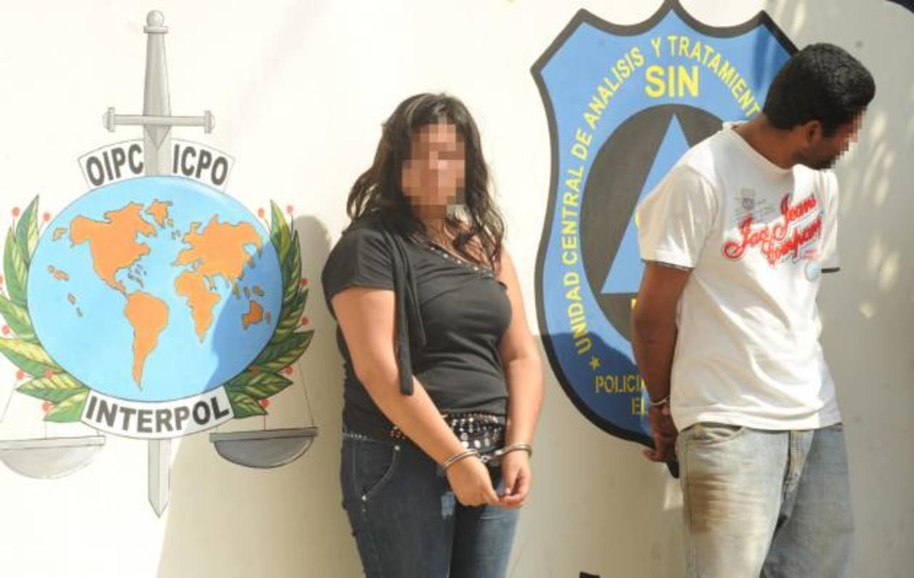 Cristina M., y Luis Alonso R., al parecer, se aliaron para exigir más de 500 dólares a una pariente suya. Foto EDH / Lissette Lemus.