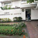 En junio del año pasado, la Asamblea Legislativa denunció a la Sala de lo Constitucional ante la Corte Centroamericana. Foto EDH
