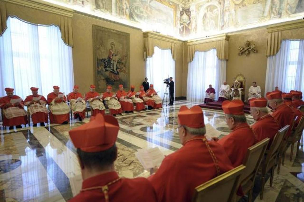 El Papa Benedicto XVI dijo este lunes que renunciará el 28 de febrero porque ya no tiene la fuerza para cumplir con los deberes de su cargo. Foto/ Reuters