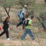 """Decenas de centroamericanos, entre estos muchos salvadoreños, se arriesgan a que sean secuestrados por grupos criminales como """"Los Zetas"""" o pandilleros, quienes los obligan a transportar cargas de droga a suelo estadounidense. Foto EDH / Archivo"""