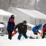 En algunas regiones se reporta el cierre de carreteras por la acumulación de nieve