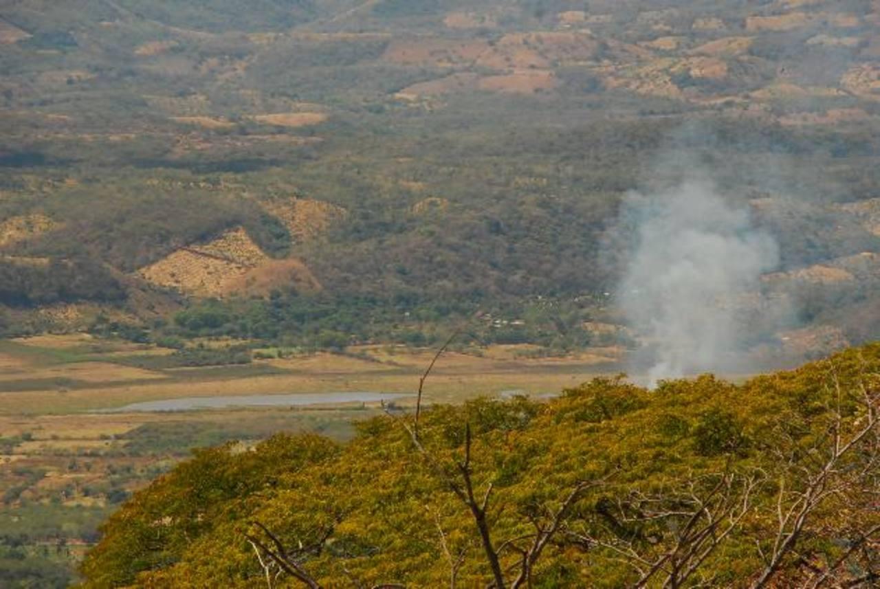 El fuego en la zona protegida de Conchagua fue extinguido el domingo, tras siete días de iniciado. foto edh / insy mendoza