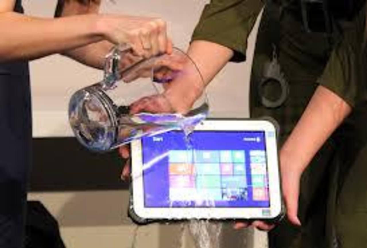 "Panasonic presenta tableta ""todoterreno"""