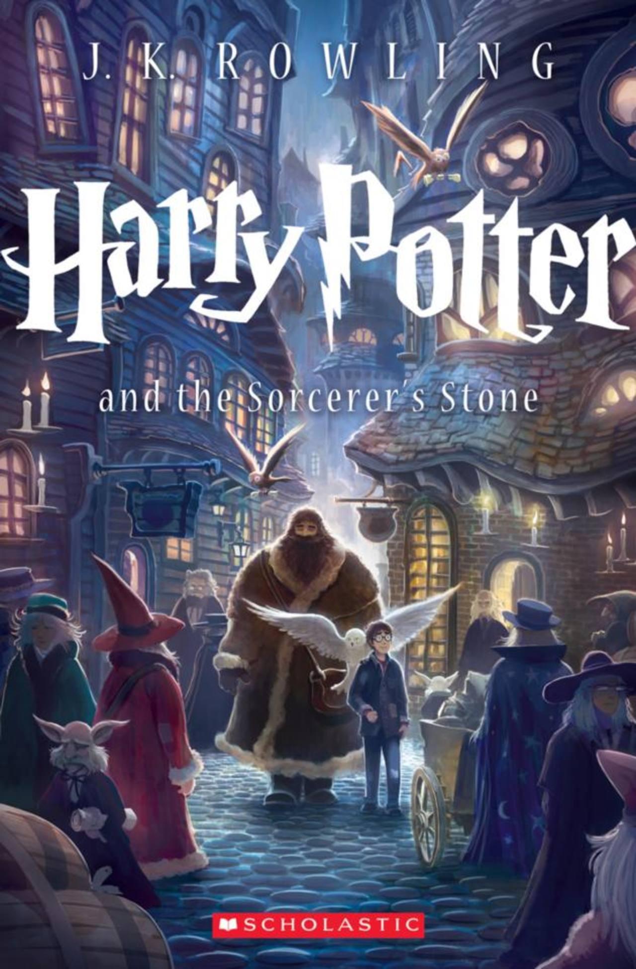 """La portada de """"Harry Potter y la piedra filosofal"""" para las ediciones rústicas en una imagen proporcionada por Scholastic Inc. Foto/ AP"""