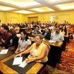 fotos edh / douglas urquilla Directores y maestros de los diferentes centros escolares públicos a nivel nacional participaron en la apertura del programa Educa Hoy, edición 2013.