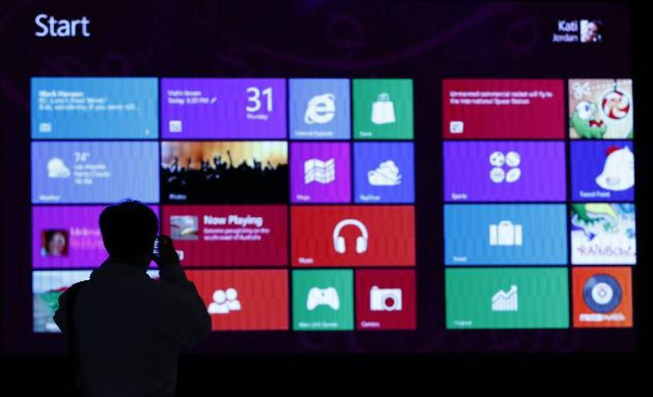 """Windows 8 tiene un inicio """"sólido"""" según la jefe financiera de Windows. Las ventas podrían saltar con Surface Pro."""
