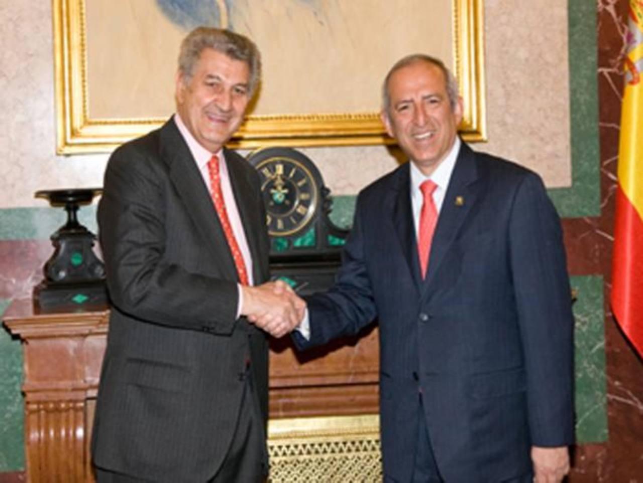 El presidente de la Asamblea, Sigfrido Reyes, junto a su homólogo español, Jesús Posada, en una visita a Madrid a principios de 2012.