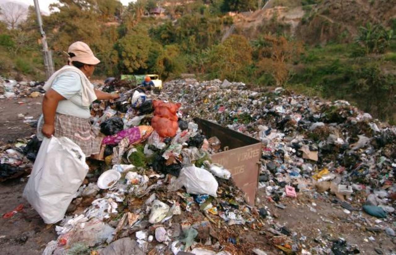 La basura será utilizada para crear energía. La empresa española que dirigirá este proyecto aún no ha manifestado cuánta basura necesita para generar un megavatio. Foto EDH /archivo