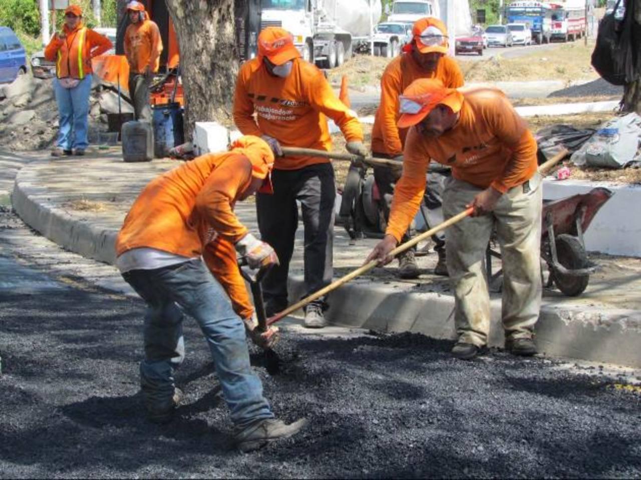 Los trabajos finalizan hoy y esperan que con ello disminuyan accidentes en la zona foto EDH / Mauricio Guevara