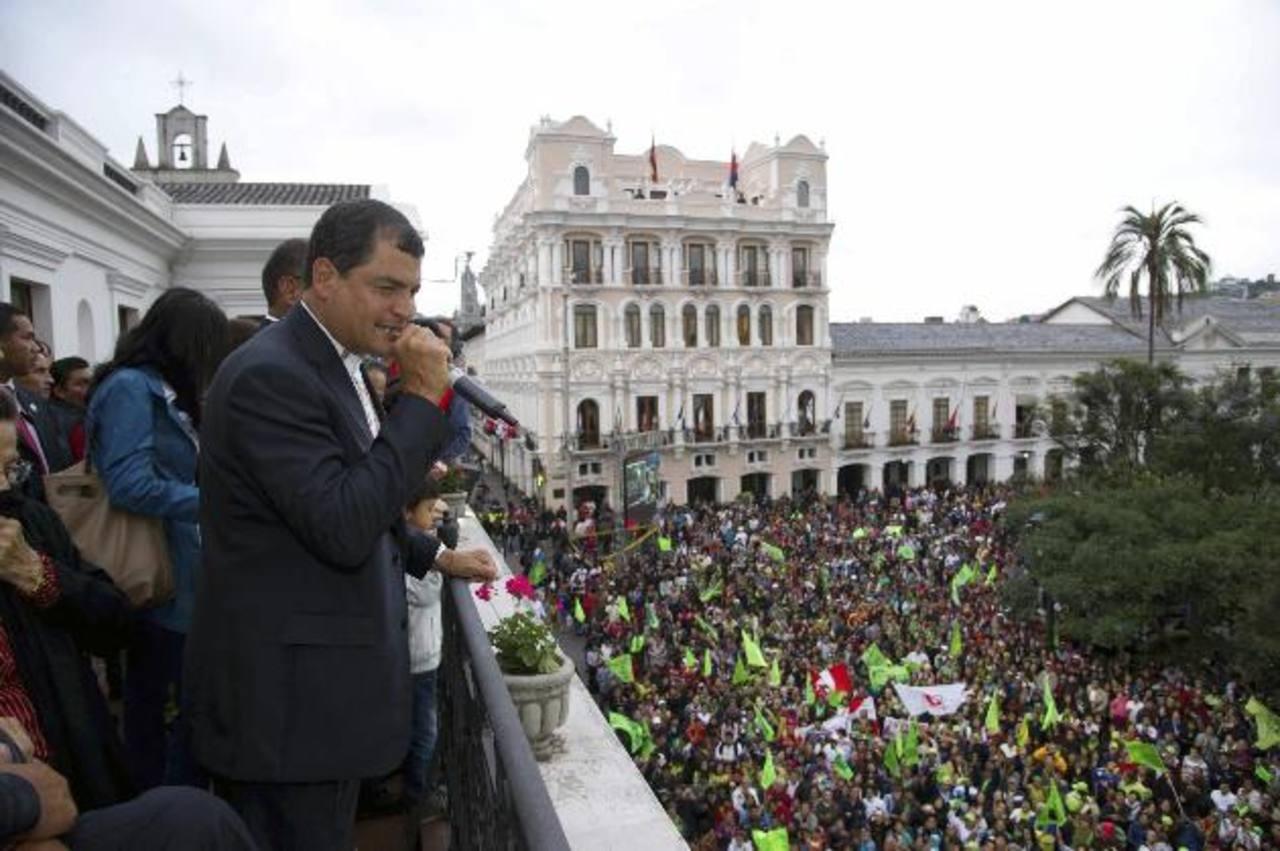 Correa es reelecto en presidencia de ecuador