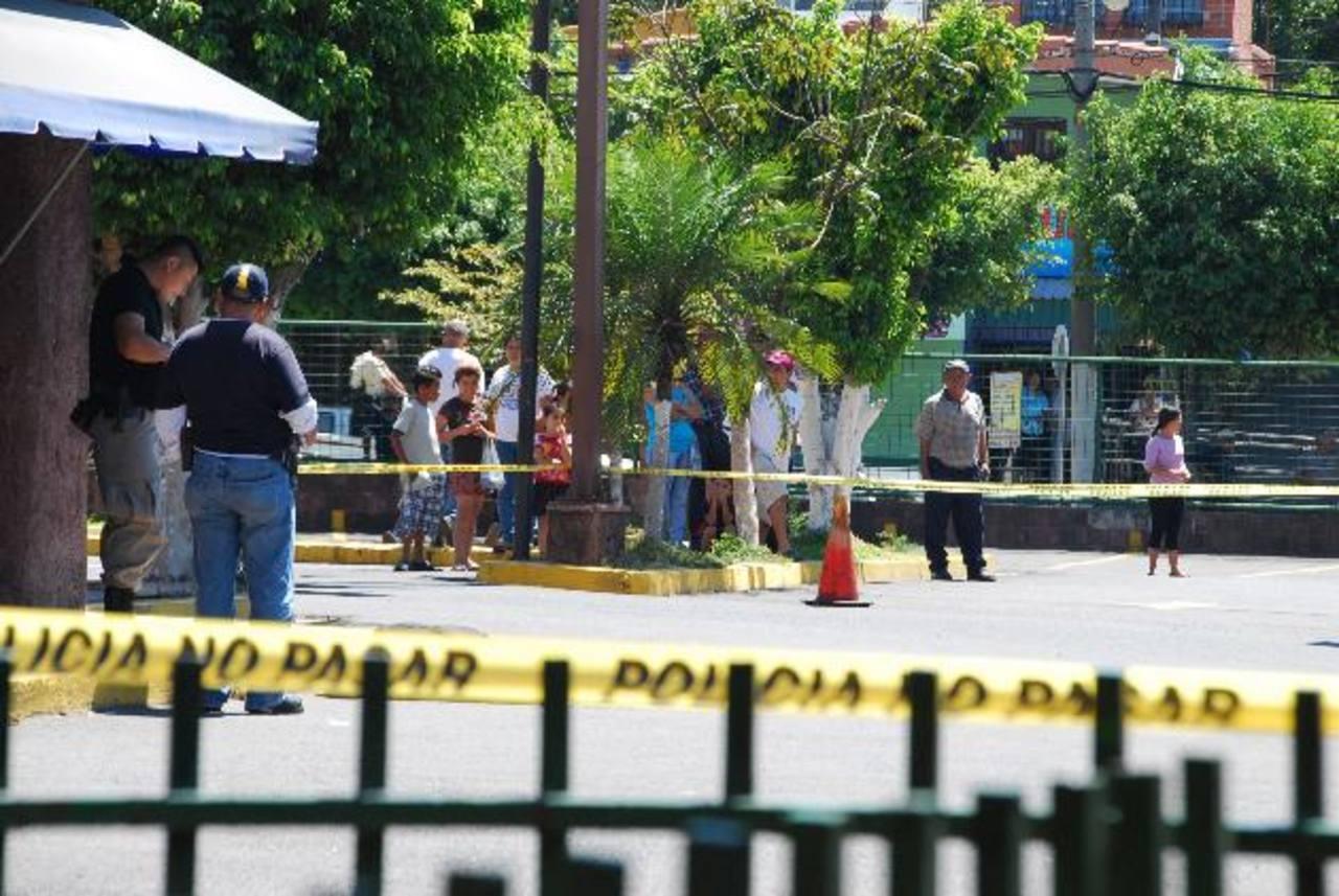 Lugar donde fue asesinado Edgardo Carrillo Arias, por dos supuestos mareros, en un intento de asalto. Foto EDH / Archivo
