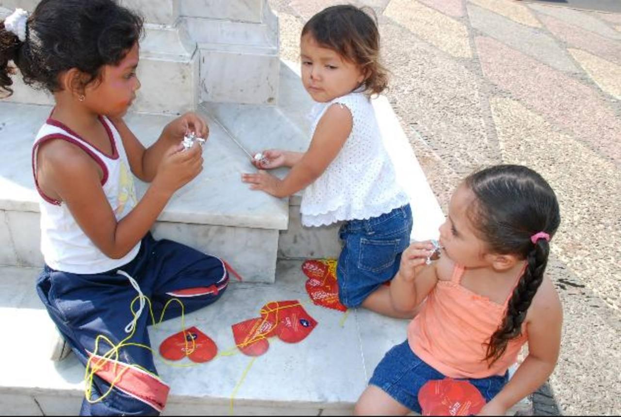 Desde niños necesitan espacios para la sana recreación, realizar actividades educativas y otras. Foto EDH / cristian diaz