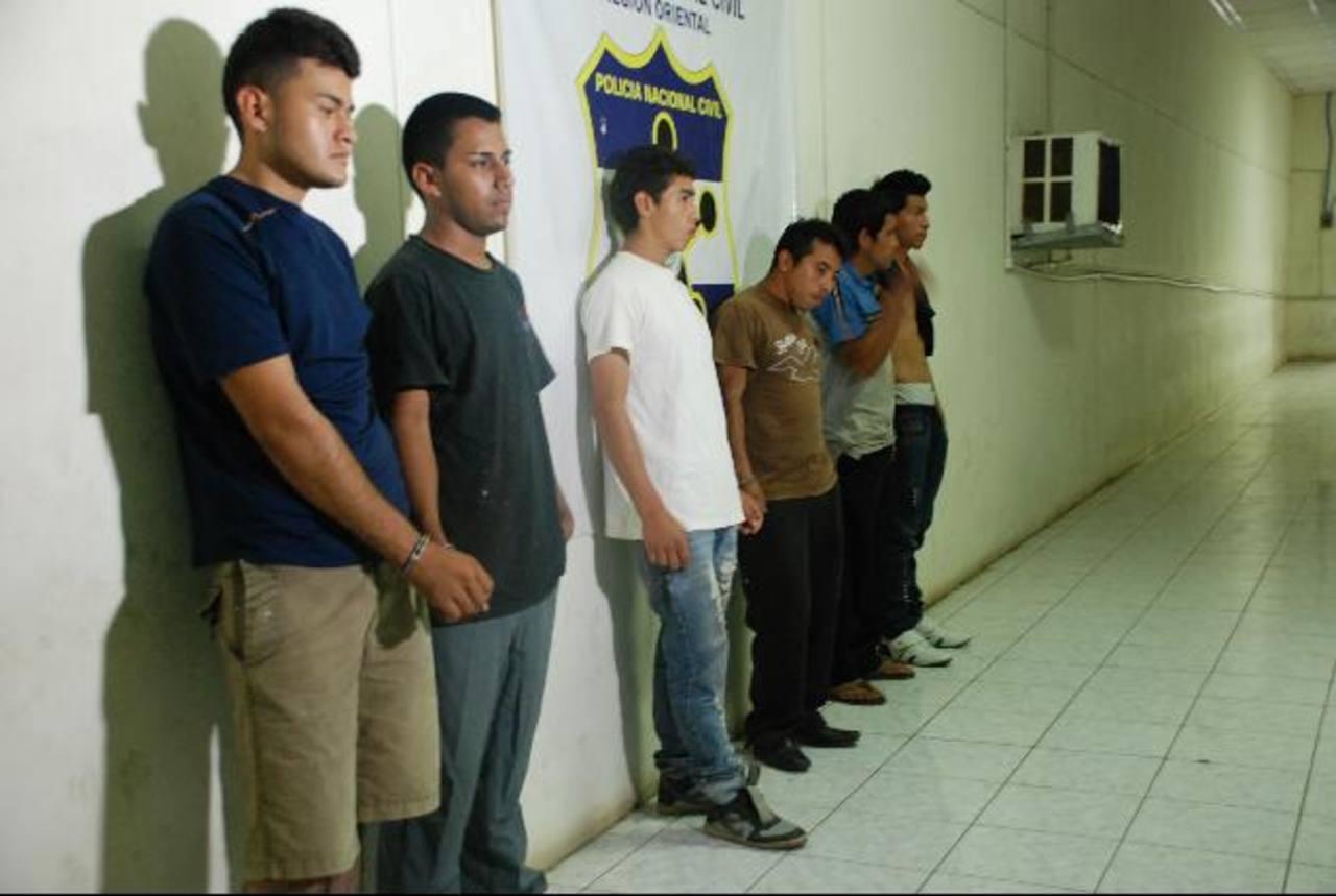Entre los capturados hay tres adolescentes. Foto EDH