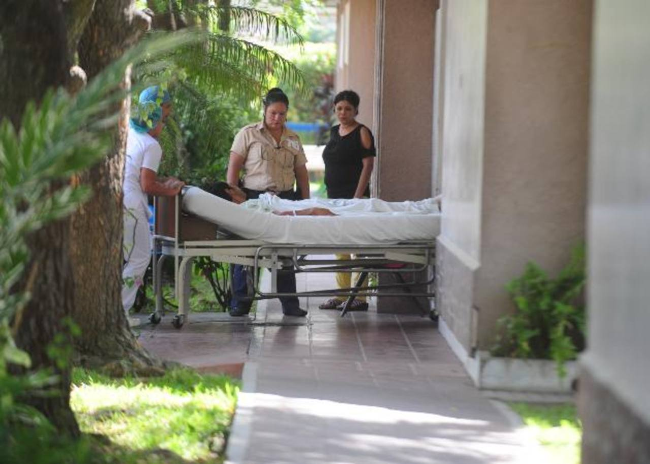 Pacientes hospitalizados deben comprar medicina