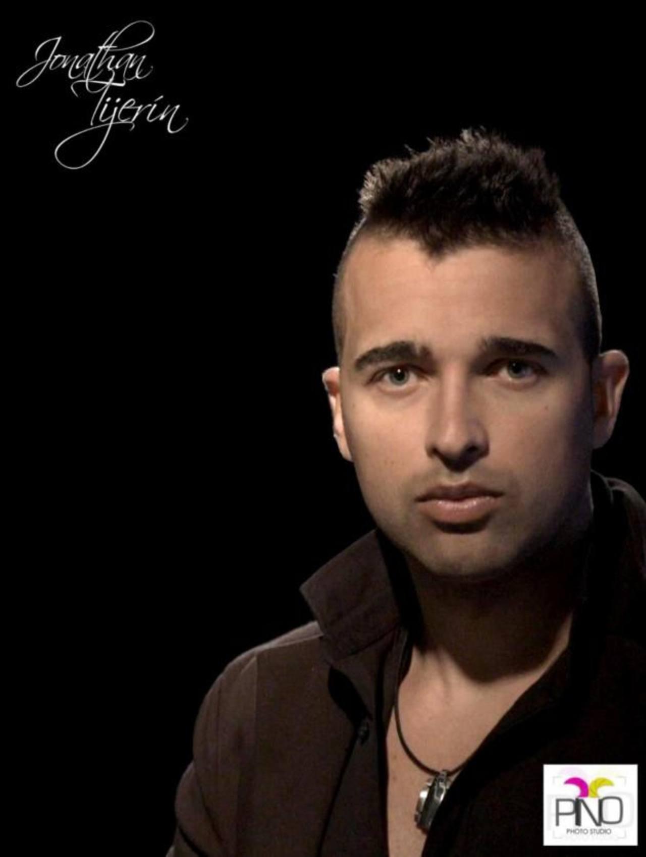 La nueva producción del cantante español estará lista en mayo y será presentada en el país antes que en España.