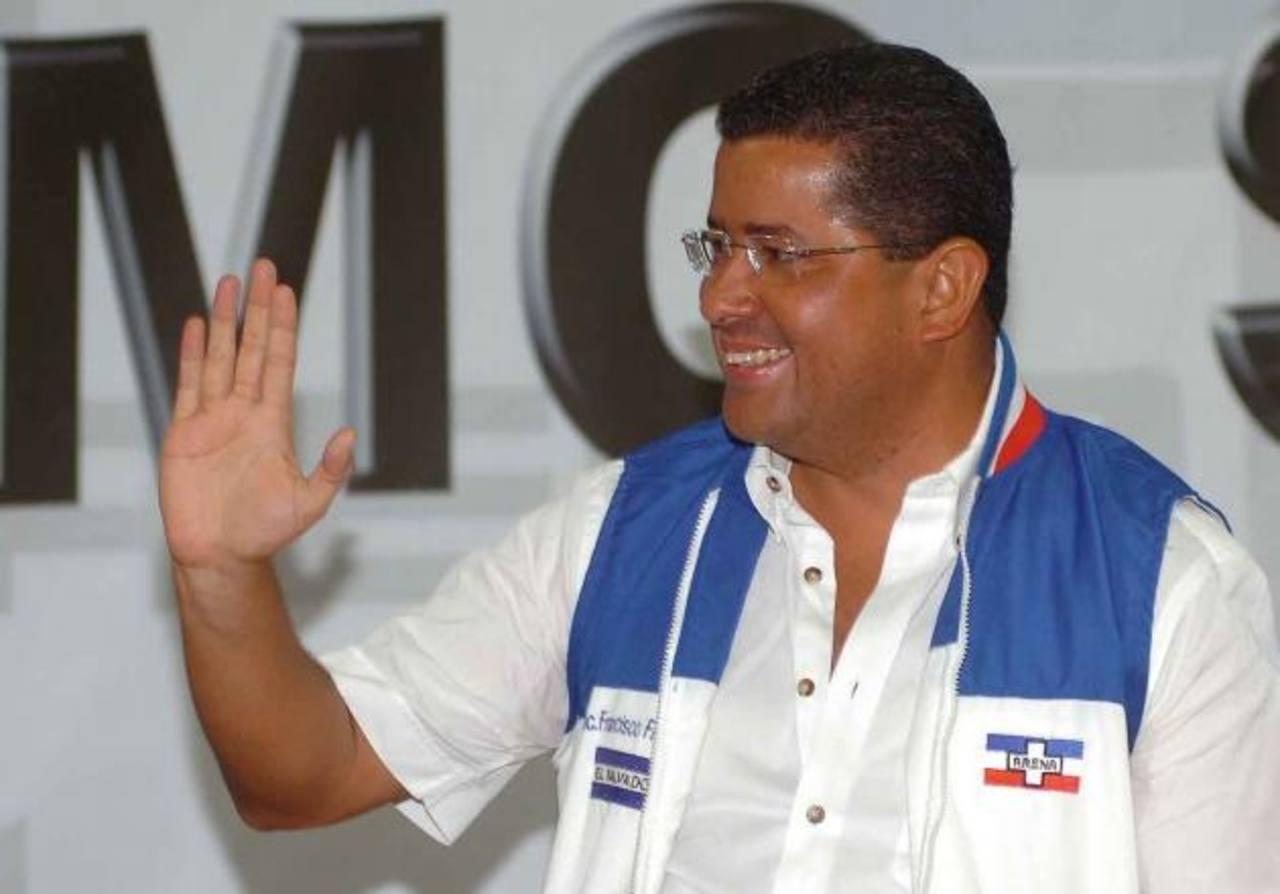 El expresidente, Francisco Flores se refirió ayer al tema del contrato entre LaGeo y la italiana Enel. Foto EDH / douglas urquilla