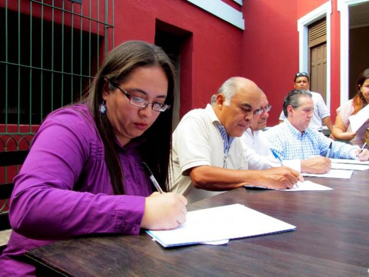 Cuatro medios de comunicación local abrirán sus puertas a los nuevos jóvenes comunicadores. Foto EDH / Mauricio Guevara
