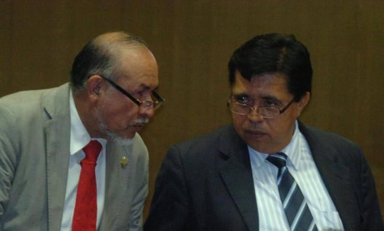 Los diputados Orestes Ortez y Roberto Lorenzana dijeron estar abiertos a revisar reformas y a escuchar propuestas.