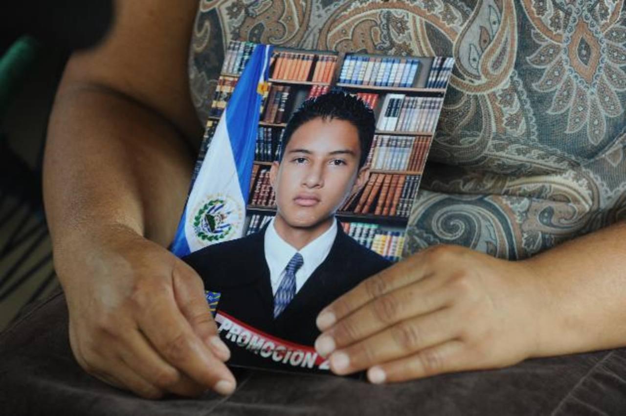 Reynaldo Ramírez Argueta, de 20 años, se encuentra desaparecido desde el 30 de enero pasado. El celular que tiene no responde desde el 3 de febrero. Foto EDH / Lissette Lemus