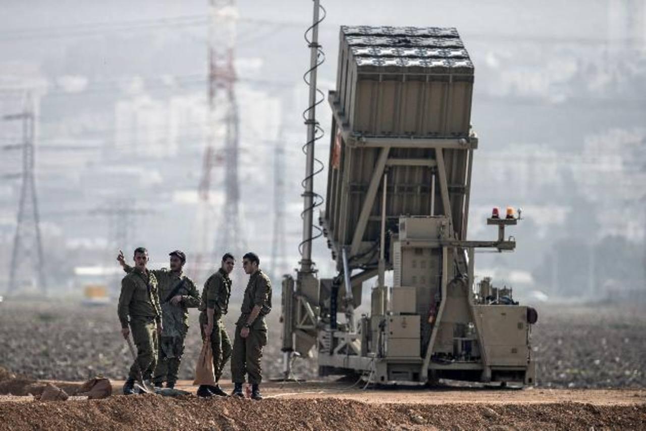 Baterías del escudo antimisiles israelí Iron Dome (Cúpula de Hierro) fueron trasladadas a la zona de Haifa, cerca de la frontera con Siria. foto edh / efe