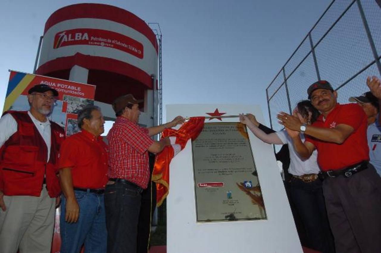Dirigentes del FMLN como Orestes Ortez, Carlos Ruiz y José Luis Merino son directivos de Alba Petróleos. foto edh/archivo