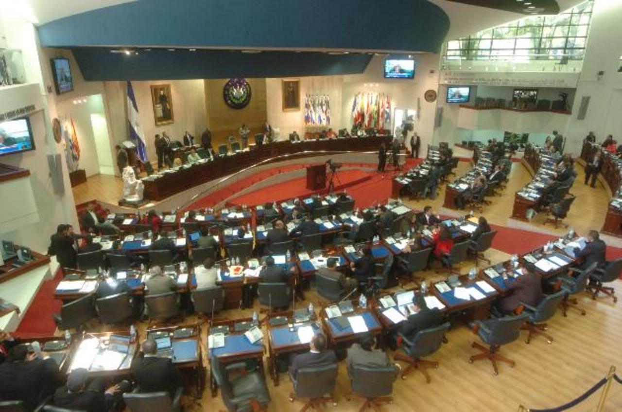 Diputados aprueban Ley del Programa de Vaso de Leche