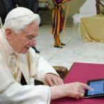 El Papa escribió su primer tuit en diferentes idiomas el 12 de diciembre de 2012. Foto/ Archivo