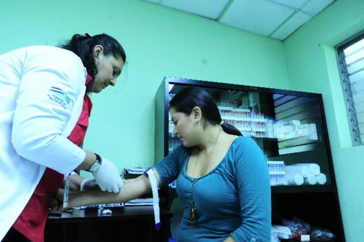 Los laboratorios clínicos del ISBM tendrán capacidad para procesar 200 pruebas por hora. Foto EDH / Omar Carbonero