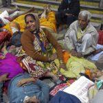 Millones de devotos hindúes se reunieron para participar en un festival religioso.