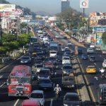 El tráfico pesado sobre el Bulevar Los Próceres será descongestionado, en parte, con modificaciones al paso a desnivel conocido como el Árbol de la Paz. foto edh / archivo