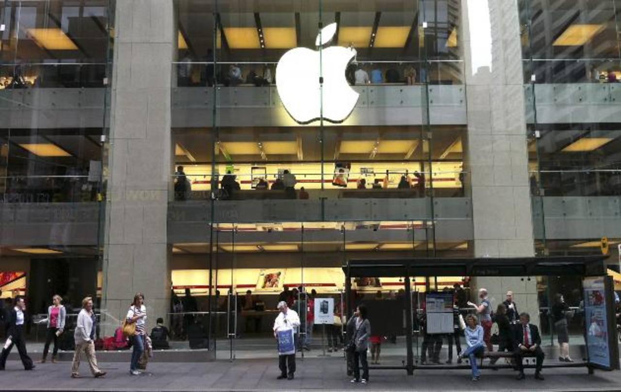 Con las reservas de Apple se podría dar a cada accionista un dividendo de $145 por acción. Ayer cerró a $456.95.