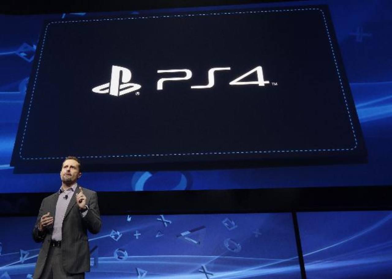 Andrew House, presidente y CEO de Sony Computer Entertainment, fue quien anunció la creación de la PlayStation 4.Líderes de instituciones que han apoyado el proyecto. Los libros pueden leerse en: www.issuu.com/contextos-sv.