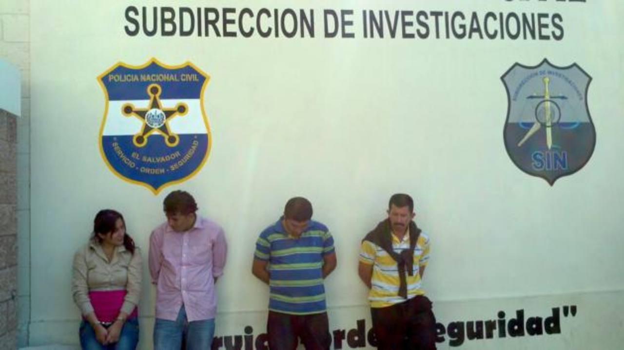 Estos son los sospechosos capturados. FOTO EDH Oscar Iraheta, vía Twitter.