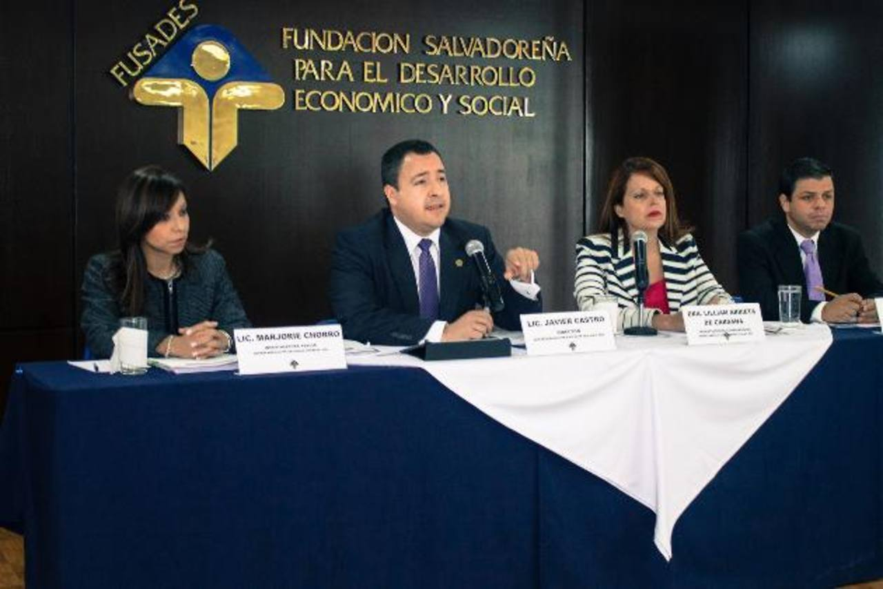 El Departamento de Estudios Legales de Fusades presentó su Informe de Coyuntura Legal e Institucional correspondiente al segundo semestre de 2012. foto EDH/CORTESíA DE FUSADES